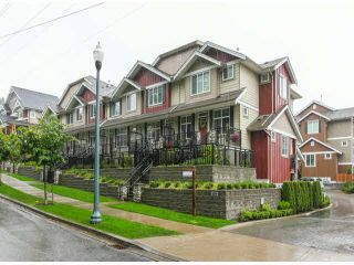 """Photo 2: 2 3009 156TH Street in Surrey: Grandview Surrey Townhouse for sale in """"KALLISTO"""" (South Surrey White Rock)  : MLS®# F1327261"""