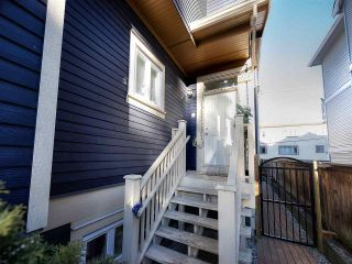 Photo 1: 1609 FRANCES STREET in Vancouver: Hastings 1/2 Duplex for sale (Vancouver East)  : MLS®# R2131404