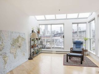 """Photo 7: 406 1551 MARINER Walk in Vancouver: False Creek Condo for sale in """"LAGOONS"""" (Vancouver West)  : MLS®# R2548149"""