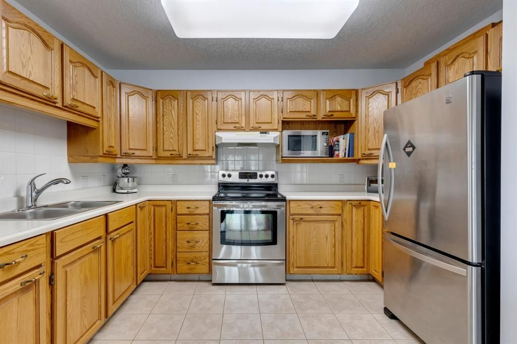 Photo 2: Photos: 1222 1818 Simcoe Boulevard SW in Calgary: Signal Hill Apartment for sale : MLS®# A1130769