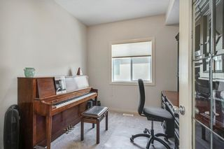 Photo 17: 1638 STRATHCONA Drive SW in Calgary: Strathcona Park Detached for sale : MLS®# C4288398