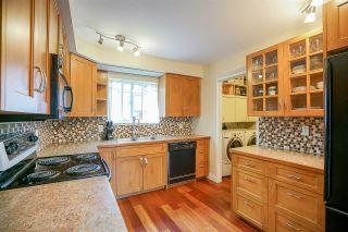 "Photo 3: 6191 E GREENSIDE Drive in Surrey: Cloverdale BC Townhouse for sale in ""GREENSIDE"" (Cloverdale)  : MLS®# R2225594"