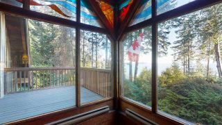 Photo 10: 1055 & 1057 GOWER POINT Road in Gibsons: Gibsons & Area House for sale (Sunshine Coast)  : MLS®# R2552576