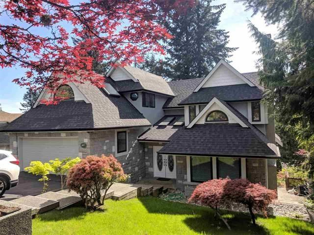 Main Photo: 207 MONTROYAL Boulevard in North Vancouver: Upper Lonsdale House for sale : MLS®# R2395272