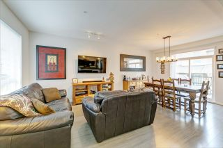 """Photo 3: 82 8138 204 Street in Langley: Willoughby Heights Townhouse for sale in """"Ashbury and Oak by Polygon"""" : MLS®# R2415255"""