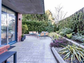 """Photo 1: 101 1725 BALSAM Street in Vancouver: Kitsilano Condo for sale in """"Balsam House"""" (Vancouver West)  : MLS®# R2454346"""
