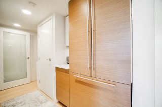 Photo 8: 412 1635 W 3RD AVENUE in Vancouver: False Creek Condo for sale (Vancouver West)  : MLS®# R2460525