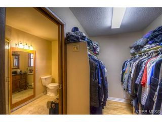 Photo 15: 803 Cecil Blogg Dr in VICTORIA: Co Triangle House for sale (Colwood)  : MLS®# 711979