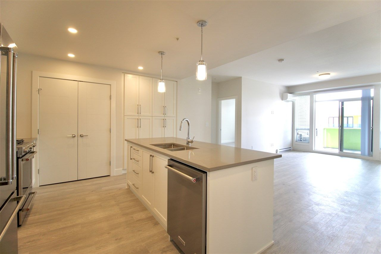 """Main Photo: 601 2565 WARE Street in Abbotsford: Central Abbotsford Condo for sale in """"MILL DISTRICT"""" : MLS®# R2440722"""