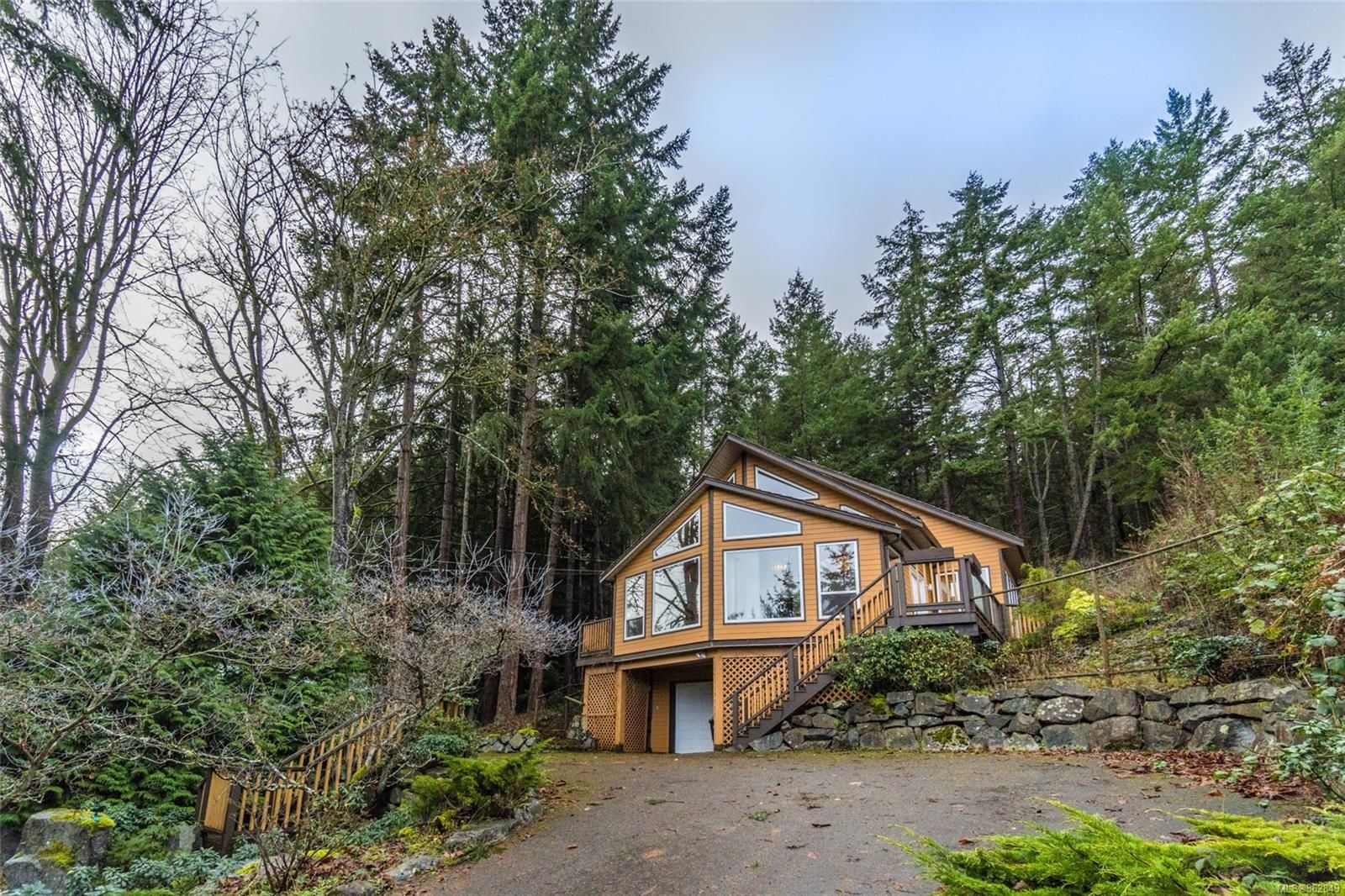 Main Photo: 2932 Dolphin Dr in : PQ Nanoose Residential for sale (Parksville/Qualicum)  : MLS®# 862849