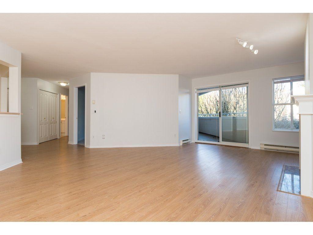 "Photo 6: Photos: 211 12633 72 Avenue in Surrey: West Newton Condo for sale in ""College Park"" : MLS®# R2226813"