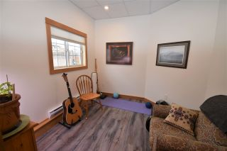 """Photo 21: 1420 SUNNY POINT Drive in Smithers: Smithers - Town House for sale in """"Silverking"""" (Smithers And Area (Zone 54))  : MLS®# R2546950"""