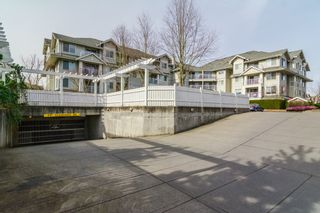 Photo 6: 403 19320 65TH Avenue in Surrey: Clayton Condo for sale (Cloverdale)  : MLS®# F1434977