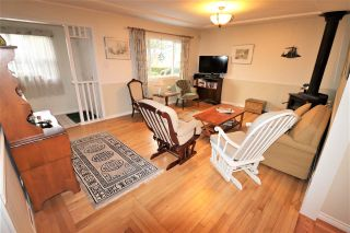 """Photo 3: 220 NINTH Avenue in New Westminster: GlenBrooke North House for sale in """"Glenbrooke North"""" : MLS®# R2438551"""