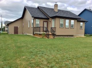Photo 3: 708 Boulder Creek Drive SE: Langdon Detached for sale : MLS®# A1153144