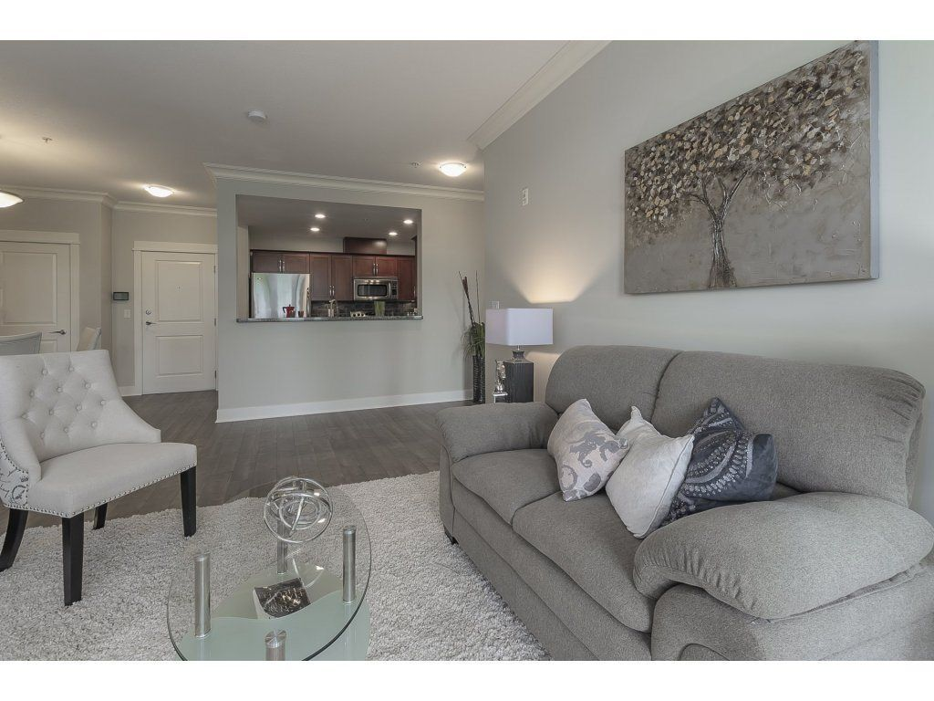 """Photo 12: Photos: 318 5430 201 Street in Langley: Langley City Condo for sale in """"The Sonnet"""" : MLS®# R2282213"""