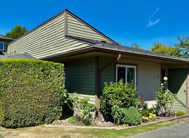 FEATURED LISTING: 3 - 10008 Third St