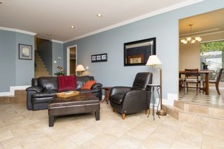 """Photo 3: 5815 170A Street in Surrey: Cloverdale BC House for sale in """"Jersey Hills West Cloverdale"""" (Cloverdale)  : MLS®# R2084016"""