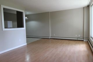 Photo 4: 201 3518 44 Street SW in Calgary: Glenbrook Apartment for sale : MLS®# A1119375