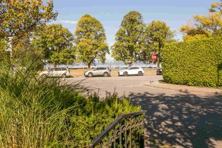 """Photo 20: 2092 WHYTE Avenue in Vancouver: Kitsilano 1/2 Duplex for sale in """"KITS POINT"""" (Vancouver West)  : MLS®# R2209008"""