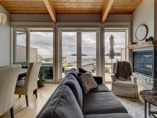 """Photo 19: 6498 WILDFLOWER Place in Sechelt: Sechelt District Townhouse for sale in """"Wakefield Beach - Second Wave"""" (Sunshine Coast)  : MLS®# R2589812"""