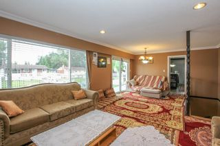 Photo 7: 12341 95A Avenue in Surrey: Queen Mary Park Surrey House for sale : MLS®# R2457932