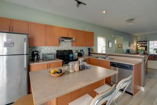 """Photo 7: 11 1800 MAMQUAM Road in Squamish: Garibaldi Estates Townhouse for sale in """"Virescence"""" : MLS®# R2315054"""
