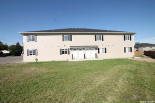 Photo 1: 303 825 Gladstone Street East in Swift Current: South East SC Residential for sale : MLS®# SK840052