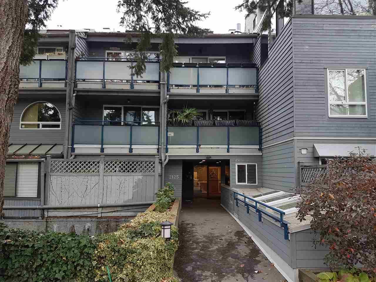 Main Photo: 203 2125 YORK Avenue in Vancouver: Kitsilano Condo for sale (Vancouver West)  : MLS®# R2224246