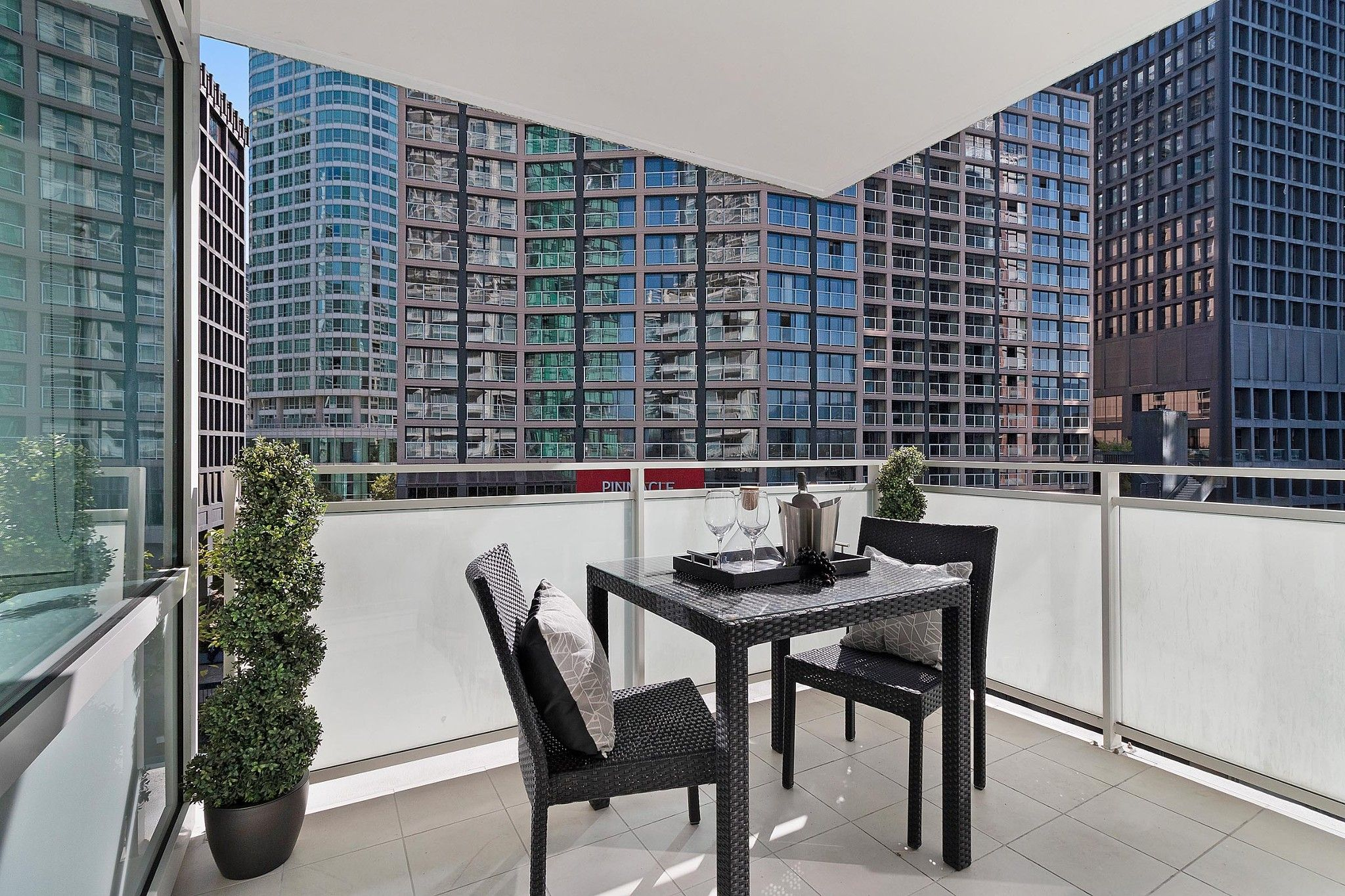 "Photo 19: Photos: 504 1139 W CORDOVA Street in Vancouver: Coal Harbour Condo for sale in ""Two Harbor Green"" (Vancouver West)  : MLS®# R2398290"
