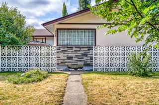 Main Photo: 211 78 Avenue SE in Calgary: Fairview Detached for sale : MLS®# A1127064