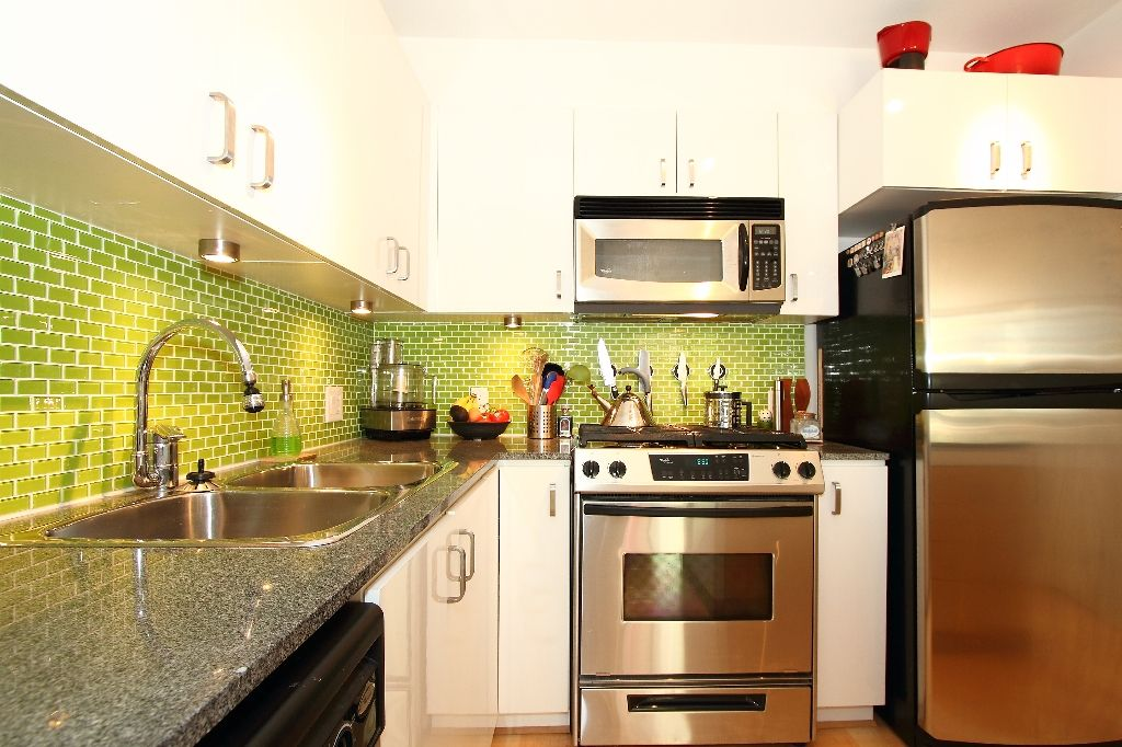 """Main Photo: # 308 151 W 2ND ST in North Vancouver: Lower Lonsdale Condo  in """"SKY"""" : MLS®# V835338"""