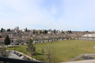 """Photo 12: 705 3520 CROWLEY Drive in Vancouver: Collingwood VE Condo for sale in """"THE MILLENIO"""" (Vancouver East)  : MLS®# R2446146"""