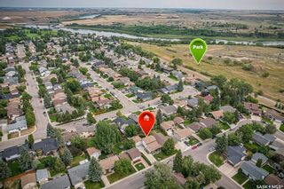 Photo 5: 327 Ball Crescent in Saskatoon: Silverwood Heights Residential for sale : MLS®# SK867296