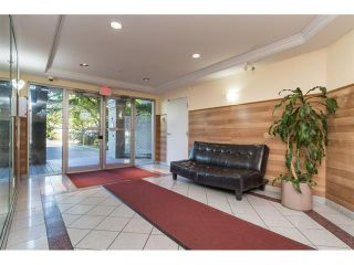 Photo 4: 303 7435 121A Street in Surrey: West Newton Condo for sale : MLS®# R2329200