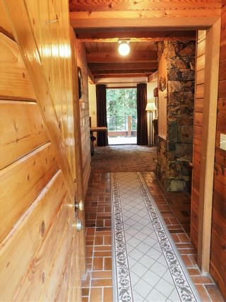 "Photo 8: 8164 ALPINE Way in Whistler: Alpine Meadows House for sale in ""ALPINE MEADOWS"" : MLS®# R2546717"