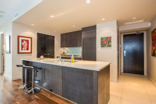 """Photo 5: 1504 1455 HOWE Street in Vancouver: Yaletown Condo for sale in """"POMARIA"""" (Vancouver West)  : MLS®# R2387626"""
