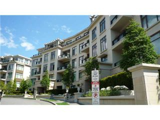Photo 1: 102 540 Waters Edge Cresc in West Vancouver: Park Royal Condo for sale