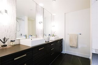 """Photo 10: 319 1783 MANITOBA Street in Vancouver: False Creek Condo for sale in """"The Residence at West"""" (Vancouver West)  : MLS®# R2386439"""
