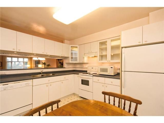 """Photo 7: Photos: 307 121 W 29TH Street in North Vancouver: Upper Lonsdale Condo for sale in """"SOMERSET GREEN"""" : MLS®# V1054924"""
