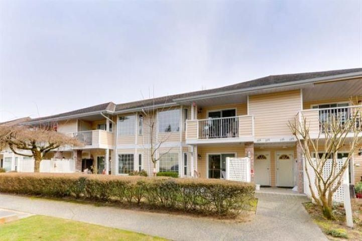 """Main Photo: 235 5641 201 Street in Langley: Langley City Townhouse for sale in """"THE HUNTINGDON"""" : MLS®# R2620251"""