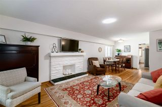 Photo 4: 98 ELLESMERE AVENUE in Burnaby: Capitol Hill BN House for sale (Burnaby North)  : MLS®# R2389364