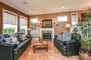Photo 4: 633 Expeditor Pl in : CV Comox (Town of) House for sale (Comox Valley)  : MLS®# 876189