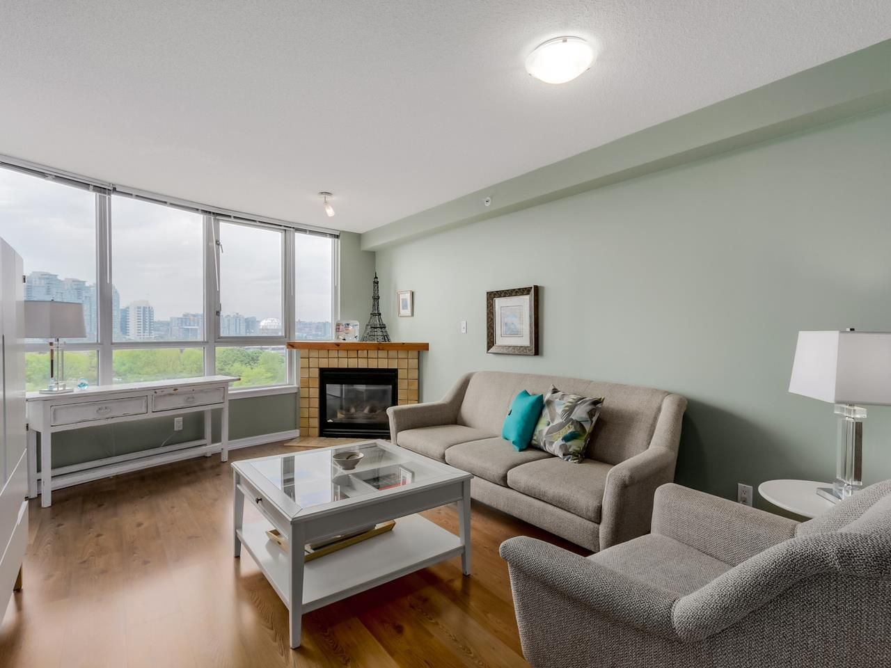 """Photo 1: Photos: 808 63 KEEFER Place in Vancouver: Downtown VW Condo for sale in """"Europa"""" (Vancouver West)  : MLS®# R2061272"""