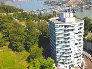 Photo 1: 201 31 ELLIOT STREET in New Westminster: Downtown NW Condo