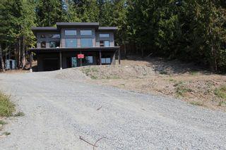 Photo 2: 2728 Fraser Road in Anglemont: North Shuswap House for sale (Shuswap)  : MLS®# 10101552