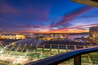 Photo 2: DOWNTOWN Condo for sale : 2 bedrooms : 200 Harbor Dr #2402 in San Diego