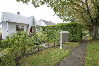 Photo 5: 1648 W 63RD Avenue in Vancouver: South Granville House for sale (Vancouver West)  : MLS®# R2411756