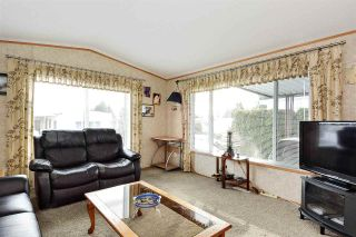 """Photo 9: 38 15875 20 Avenue in Surrey: King George Corridor Manufactured Home for sale in """"Sea Ridge Bays"""" (South Surrey White Rock)  : MLS®# R2375018"""