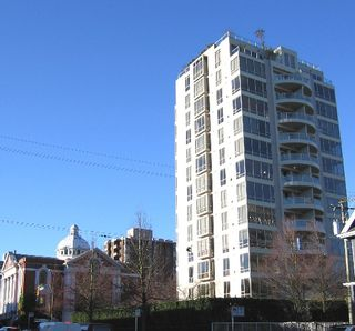 """Photo 2: 301 1405 W 12TH Avenue in Vancouver: Fairview VW Condo for sale in """"THE WARRENTON"""" (Vancouver West)  : MLS®# V649687"""